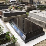 Pierre tombale : Coffret parisien